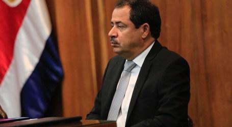 Mario Redondo denuncia «festín de nombramientos» de alcalde saliente