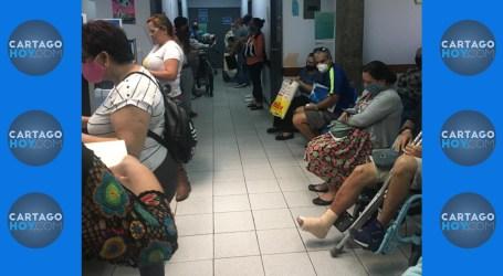 Denuncian aglomeración de pacientes en servicio de ortopedia del Hospital de Cartago