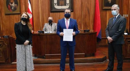 Municipalidad de Cartago asume compromiso anti corrupción