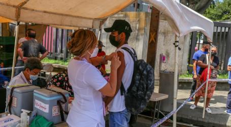 Adolescentes de Cartago podrán vacunarse en el «Fello Meza» este sábado