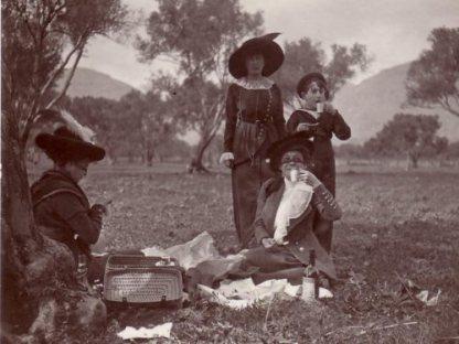 lucio-piccolo-picnic-di-famiglia