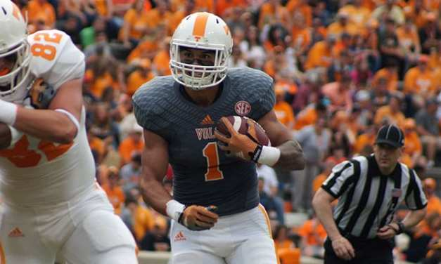 Tennessee offense thrills but defense takes Orange and White game