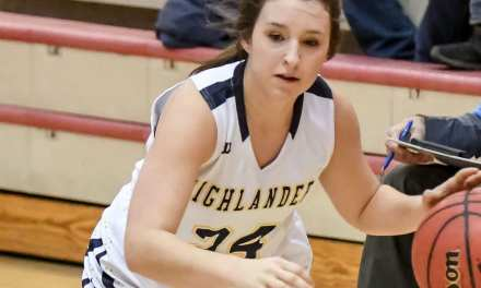 Lady 'Landers advance with road win