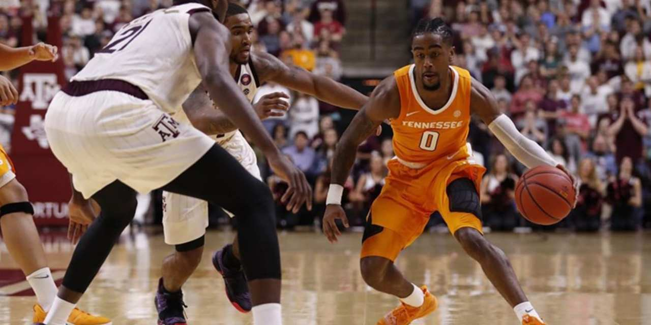 Vols Win Program-Record 16th Straight Game With Victory at Texas A&M