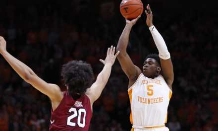 No. 1 Tennessee Completes Sweep of South Carolina