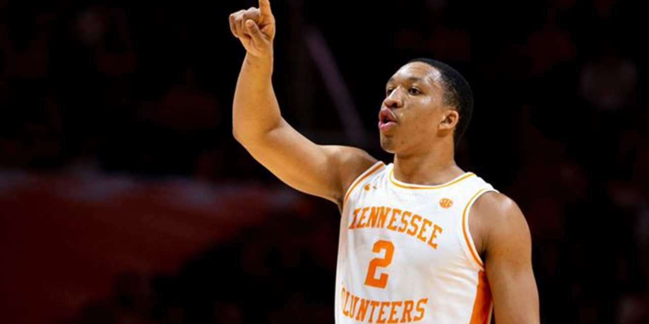 Williams Sinks Last-Second Shot to Lift Vols past Ole Miss