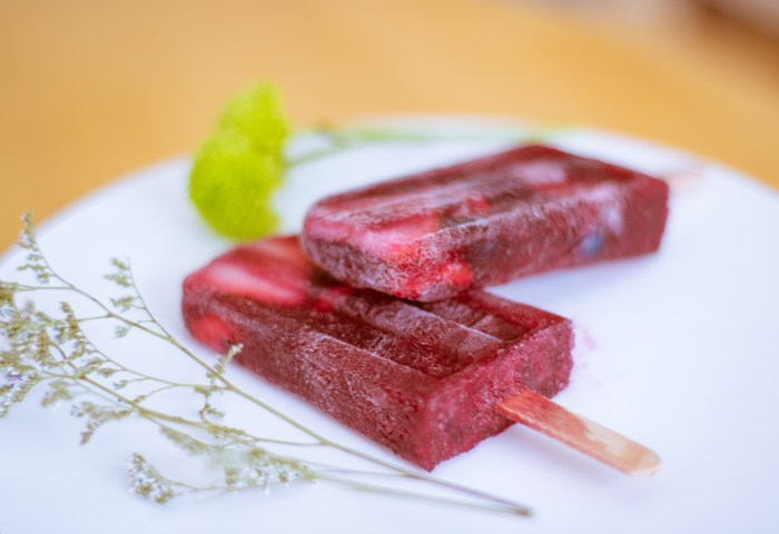 Refreshing Berry Sangria Popsicles