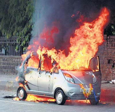 tata nano on fire photo
