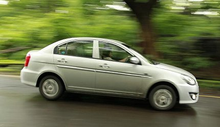 hyundai verna transform road test photo
