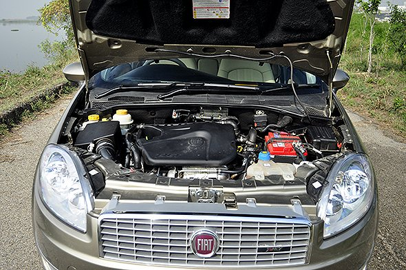 fiat linea t-jet engine photo