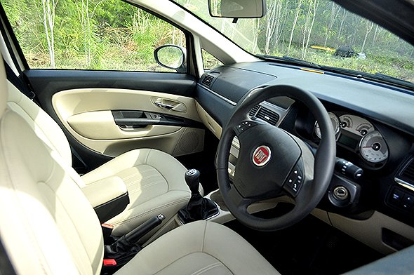 linea road test interior pic