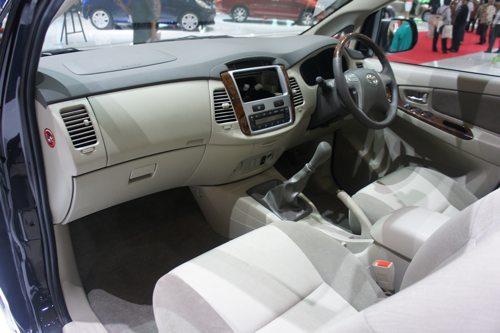 innova interior photo