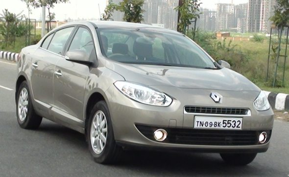 renault fluence front right photo