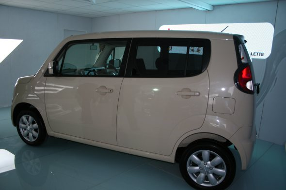 maruti suzuki mr wagon side profile photo from auto expo 2102