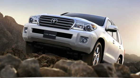 toyota landcruiser 200 vs india photo