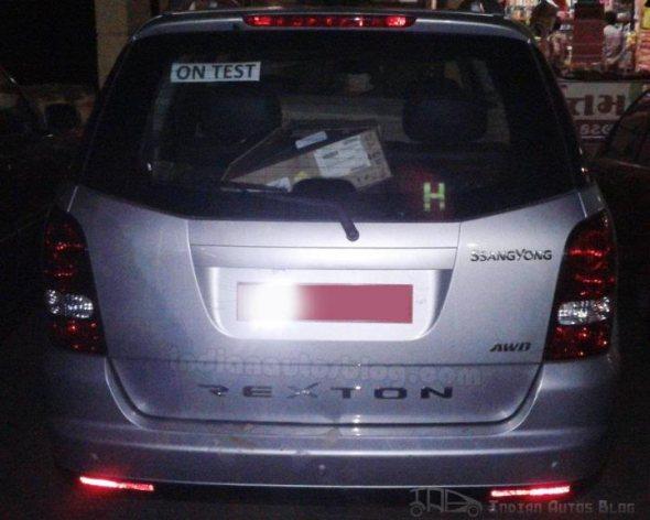 mahindra rexton full rear