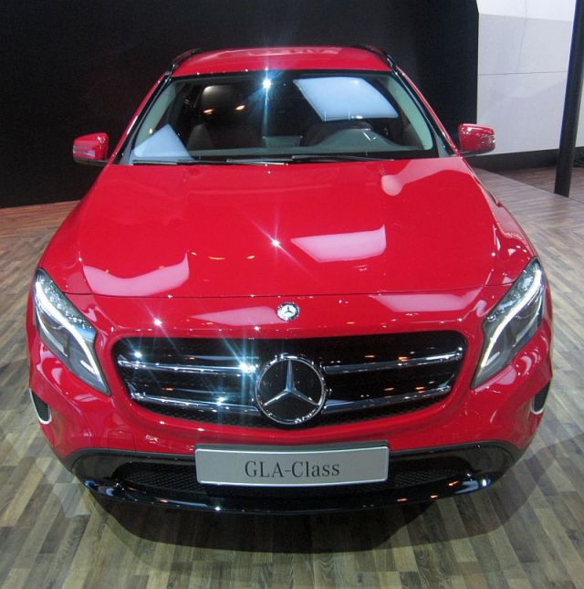 Mercedes Benz GLA Crossover Pic