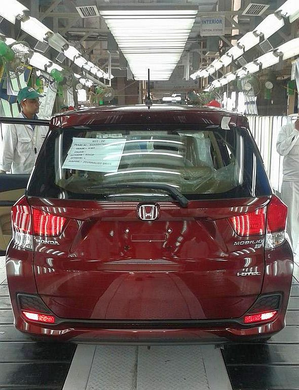 2014 Honda Mobilio MPV on the production line at Greater Noida Image
