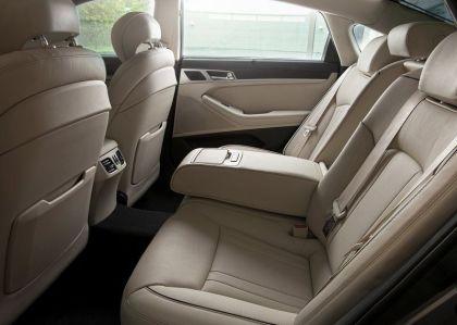 2015 Hyundai Genesis Luxury Sedan 4