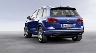 2015 VW Touareg rear three quarters