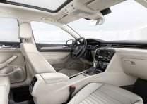 2015 Volkswagen Passat B8 Luxury Sedan 9
