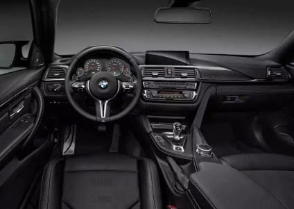 2015 BMW M4 Coupe 6