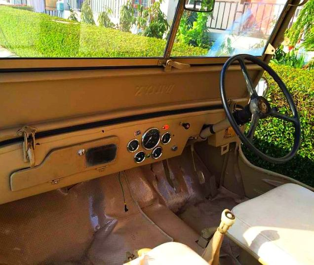 1981 Willy's Jeep with Toyota Diesel Engine Dashboard
