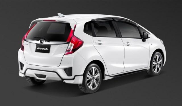 2015 Honda Jazz 14