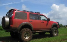 Ford Endeavour 4X2 Custom 4