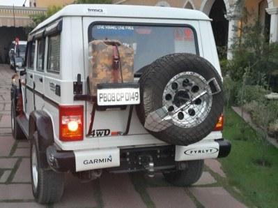 Mahindra Bolero Custom 3