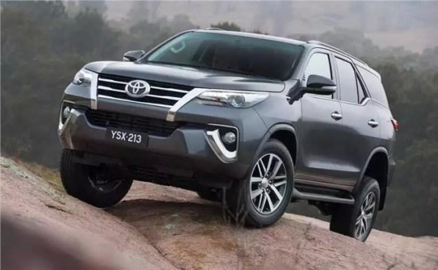 2016 Toyota Fortuner SUV 16