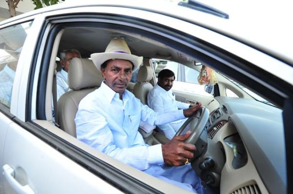 K Chandrashekar Rao in a Toyota Innova