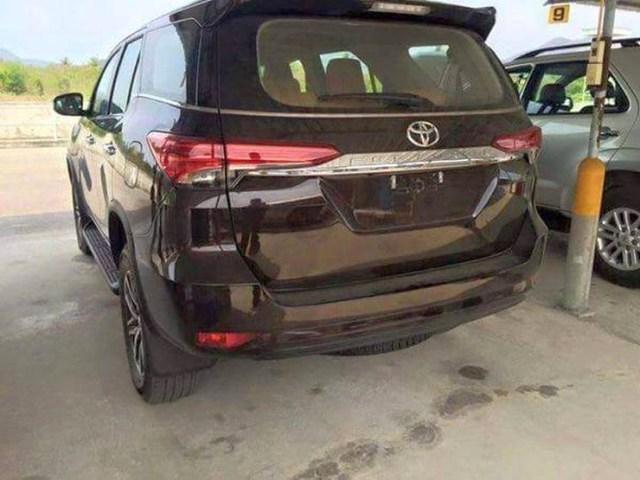 Toyota Fortuner Luxury SUV 3