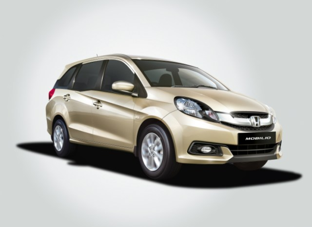 Honda Mobilio front three quarter