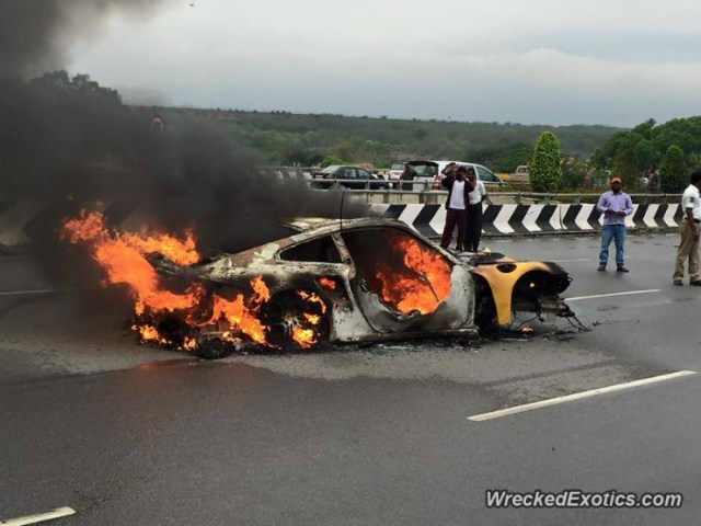 Porsche 911 Turbo fire
