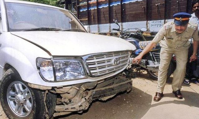 Salman Khan's Toyota Land Cruiser after the accident