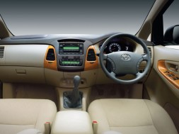 Toyota Innova Interiors 2