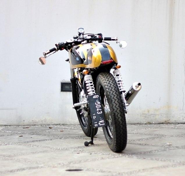 Studio Motor's Yamaha RX135 Cafe Racer 3