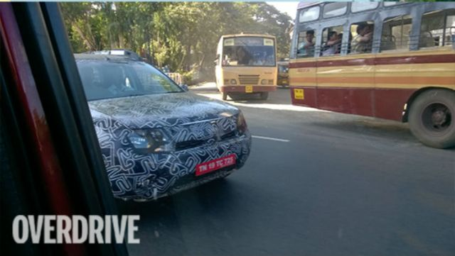 2016-Renault-Duster-spied-5