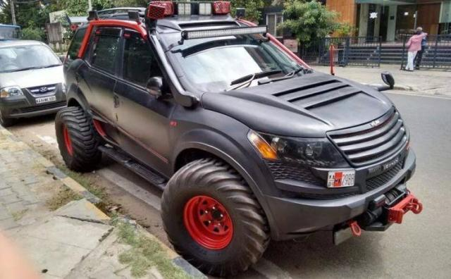 Mahindra XUV500 Modified