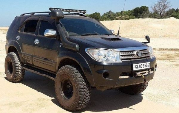 Lifted Suvs Of India Lifted Fortuner Gypsy Force Gurkha Bolero And Endeavour