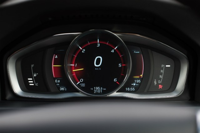 Volvo S60 Cross Country cluster- performance