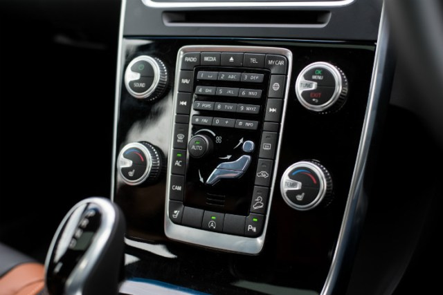 Volvo S60 Cross Country buttons