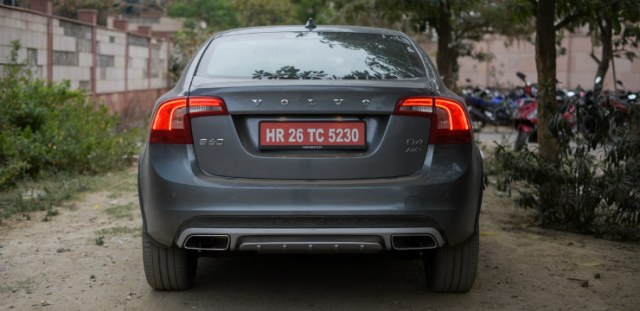 Volvo S60 Cross Country Rear View photo
