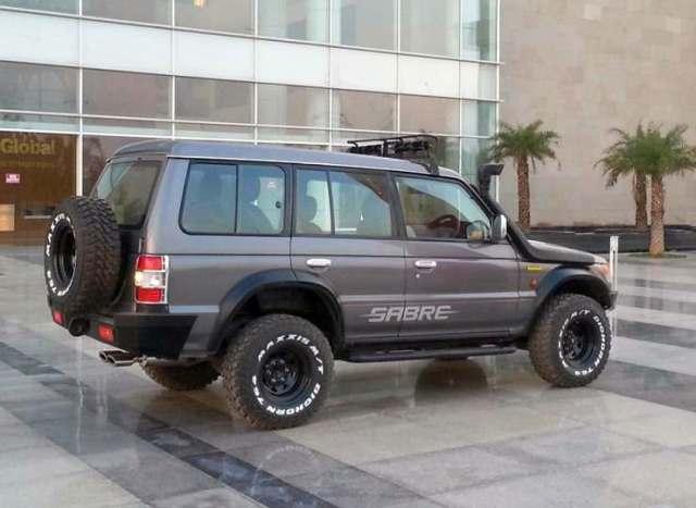 Sarblohs-Mitsubishi-Pajero-SFX-Custom-2
