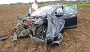 Tesla Model S Crash 4