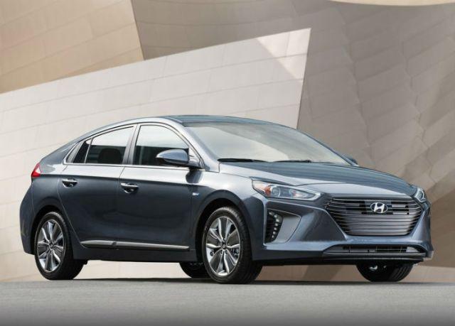 Hyundai-Ioniq_US-Version-2017-800-02
