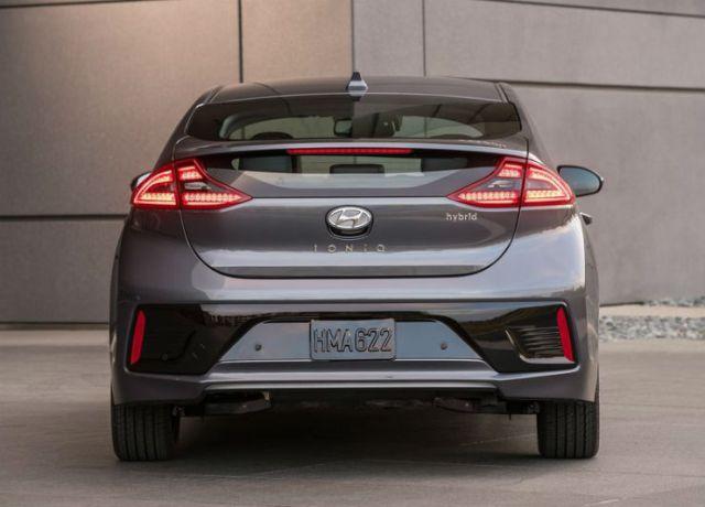 Hyundai-Ioniq_US-Version-2017-800-16