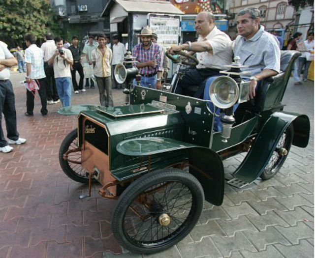 mallyas-vintage-cars-sold-at-auction-most-expensive-one-fetches-rs-2-crore