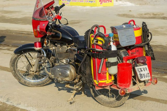 11394419755-fire-motorcycle-india